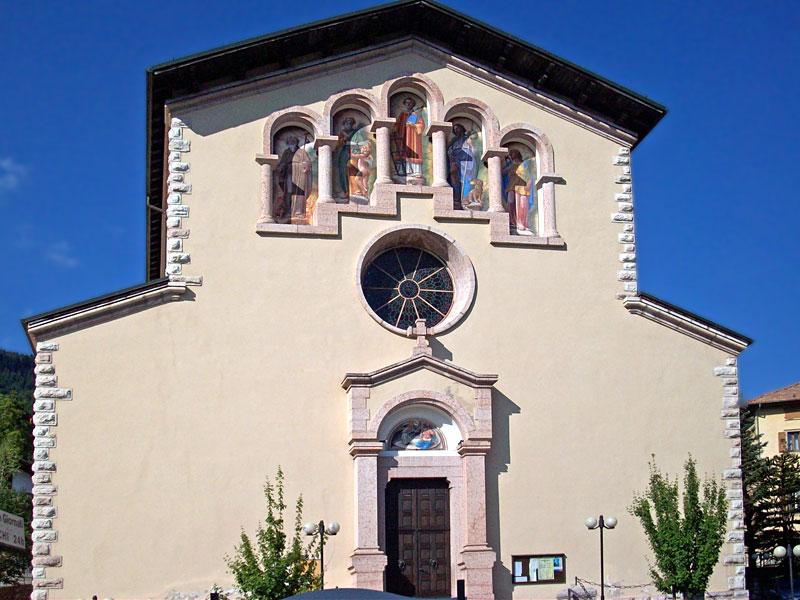 1267725167_D-8394-san-lorenzo-in-banale-chiesa